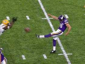 Packers block Vikings punt