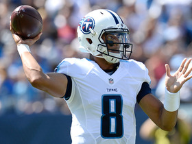Marcus Mariota eludes sack, goes right, makes insane throw