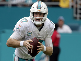 Tannehill escapes sack, hits Gray for 53-yard reception