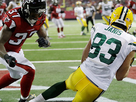 Rodgers slings pass between two defenders for go-ahead TD