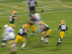 Rodgers flips it out, Montgomery shakes defenders for 18 yards