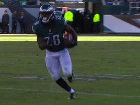 Wendell Smallwood takes the draw for 19 yards