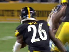 Le'Veon Bell dances his way through the line for 11 yards
