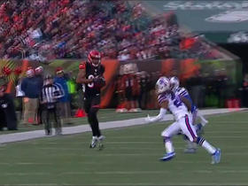 Andy Dalton fires perfect pass on 3rd and long to move the chains