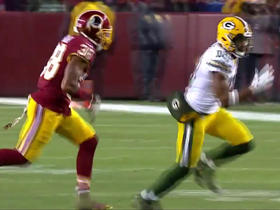 Randall Cobb churns out 15 yards on the catch-and-run