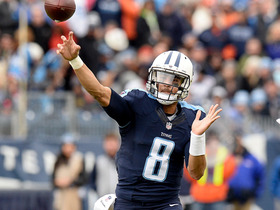 Marcus Mariota throws back across field for 17-yard gain