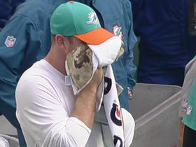 Emotional Ryan Tannehill consoled by teammates after injury
