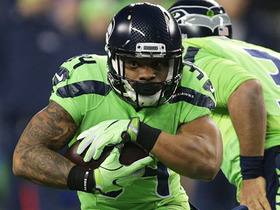 Thomas Rawls bursts through line for 12-yard gain