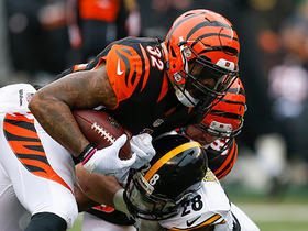 Jeremy Hill picks up 12 yards on elusive run