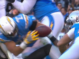 Farrow has huge fumble inside own 15-yard line, Raiders recover