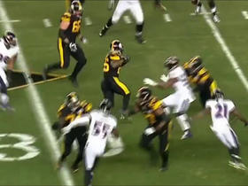 Le'Veon Bell weaves his way down the field on 9-yard run