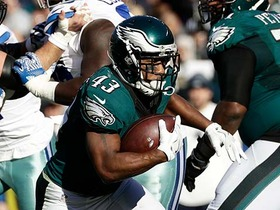 Darren Sproles puts defenders on skates on 11-yard run