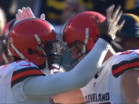 Robert Griffin III fires one on target to Gary Barnidge for 4-yard quick hit TD