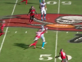 Kelvin Benjamin makes a 15-yard catch