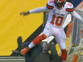 Robert Griffin III collides with sound guy on sideline after 9-yard dash