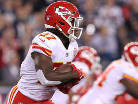 Kareem Hunt fumbles on his first-ever regular season carry
