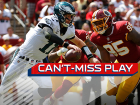 Can't-Miss Play: Wentz ESCAPES, hits Agholor DEEP for TD