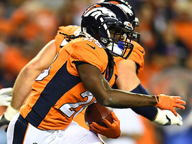 Jamaal Charles' second carry with Broncos goes for first down