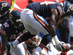 Charles Sims fumbles, Leonard Floyd recovers for Bears