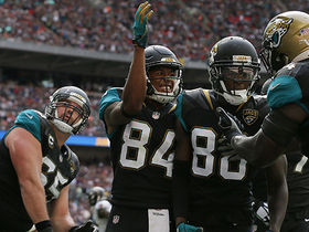 Allen Hurns takes big hit, holds on for 5-yard TD