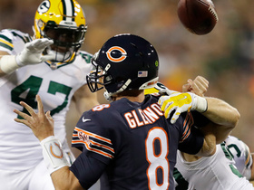 Clay Matthews records his 75th career sack, forces fumble