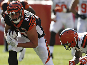 Tyler Kroft sprints down seam for 21-yard gain on Dalton dart