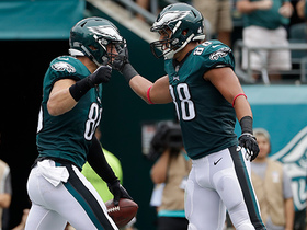 Carson Wentz leads Zach Ertz for 11-yard touchdown pass