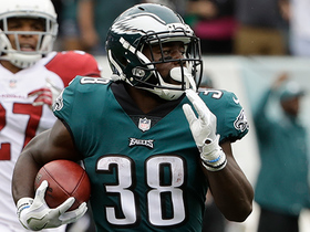 Kenjon Barner slices through Cardinals defenders on 76-yard punt return