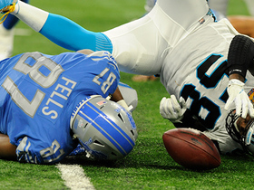 Davis recovers fumble in mad scramble after Stafford sack