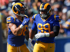 Aaron Donald ambushes Eddie Lacy in backfield