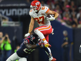 Travis Kelce clears hurdle over Andre Hal on 19-yard gain