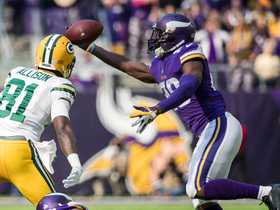 Xavier Rhodes makes perfect one-handed INT off tipped pass
