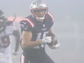 Chris Hogan turns upfield for 30-yard sprint into the red zone