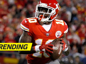 Chiefs' trick play goes wrong, Tyreek Hill throws INT into end zone