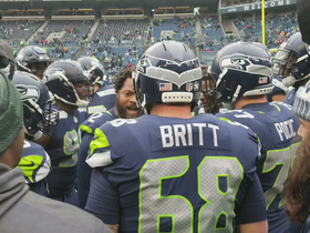 Michael Bennett pumps up 'Hawks before matchup vs. Redskins