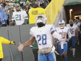 Lions run out to boos at Lambeau