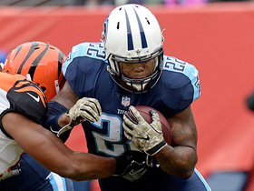Derrick Henry charges through Bengals D for a 23-yard gain