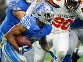 Ameer Abdullah bursts for 19-yard gain