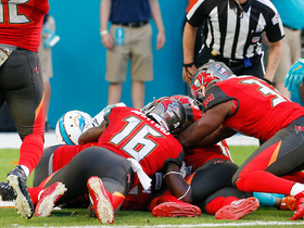 Miami Dolphins attempt final lateral play, turns into Buccaneers TD