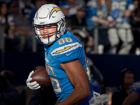 Philip Rivers fires dart to Hunter Henry for 17-yard gain