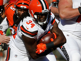 Isaiah Crowell goes for 14 yards on first carry of the game