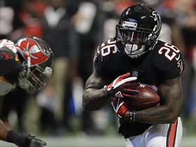 Tevin Coleman takes it around edge for 20-yard gain