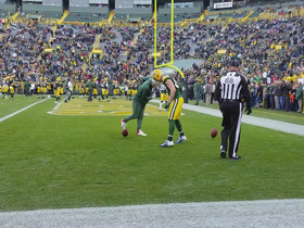 Aaron Rodgers and Jordy Nelson continue ball spinning tradition