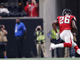 Tevin Coleman sprints down sideline to convert on fourth down