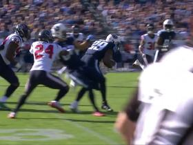 DeMarco Murray finds a lane, dodges his way to a first down