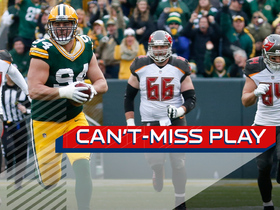 Can't-Miss Play: Big man Lowry rumbles 62 yards to the house