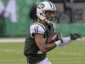 Robby Anderson darts over middle for 14-yard catch and run
