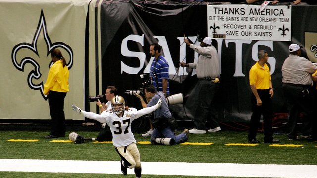 While Fighting Als Steve Gleason Continues To Live Life His