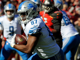 Matthew Stafford slings it to Darren Fells for 23 yards