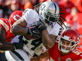 Marshawn Lynch goes Beast Mode, chills on Chiefs' bench after run
